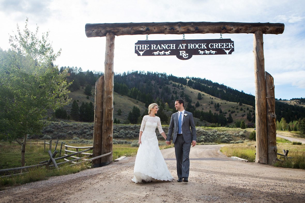 Wedding at Rock Creek, Montana - Photography by Christian Oth Studio